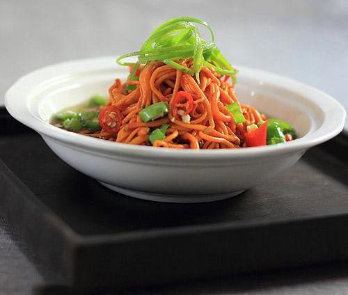 Salad đông trùng hạ thảo ngon bổ dưỡng