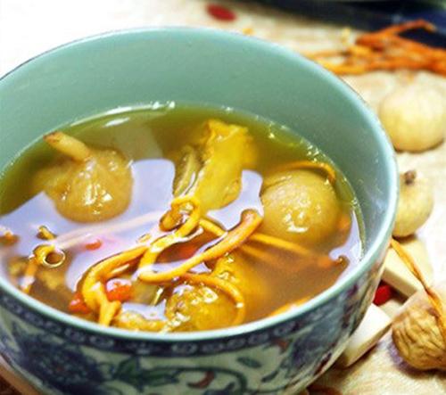 Món ăn sườn heo hầm đông trùng hạ thảo