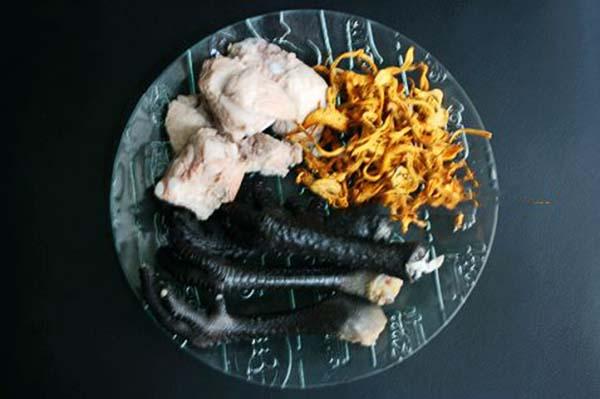 Nguyên liệu đông trùng hạ thảo hầm chân gà ác